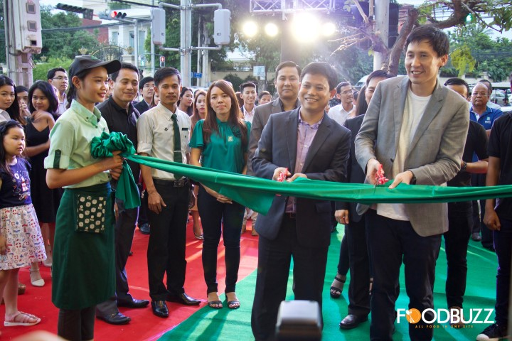 Opening Day, Bar-B-Q-Plaza Toul Kork