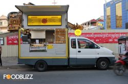 Le Waffle Truck with the nicest taste of street-waffle