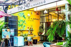 {:kh}ហាងលក់សម្លៀកបំពាក់មែនពិត តែមានហាងកាហ្វេលាក់ខ្លួននៅខាងក្នុង{:}{:en}Try The Aesthetic Café Shop Inside The 240 Shop{:}
