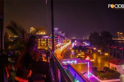 {:kh}5 Drunk Men: Skybar ជាន់ទី4ក្បែរមាត់ទន្លេ មានម្ហូប-ភេសជ្ជៈចាប់ពី 3.5$ តែប៉ុណ្ណោះ{:}{:en}5 Drunk Men: Scenic Riverside View, Appetizing Food & Drinks + Chic Café{:}