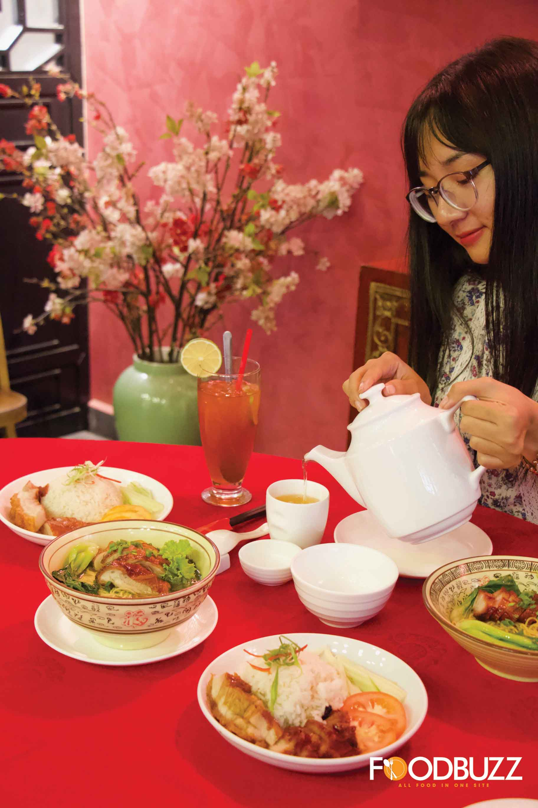 You can't miss a cup of hot tea when you savor Chinese food.